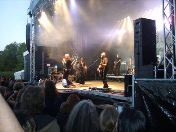 Auftritt der Band Letzte Instanz auf dem Steiner Burgfestival 2009